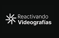 Sobre fondo negro podemos leer el texto reactivando videográficas en blanco.